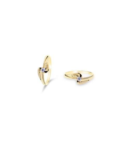 Złoty pierścionek z cyrkoniami